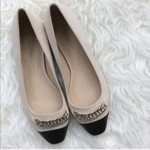 Elizabeth and James Gwen chain flats in Ivory